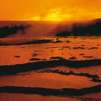 Sonnenuntergang-Great-Fountain-Geyser-Yellowstone-NP-Wyoming-USA-1995.jpg